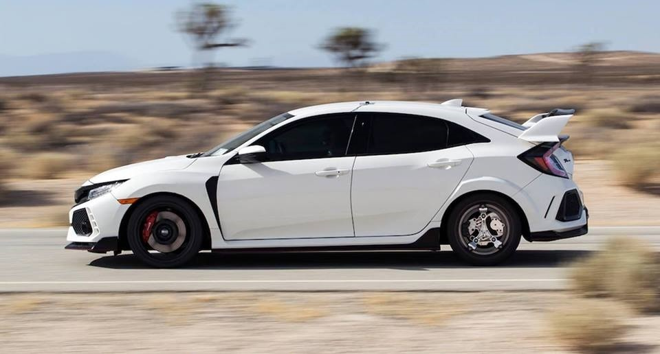 Witchcraft! These rims can convert the Honda Civic Type R in a hybrid 4×4 car of 520 HP