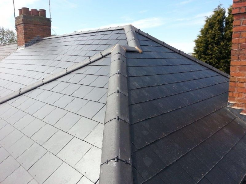 Top Benefits of Using Industrial Roofing Contractors